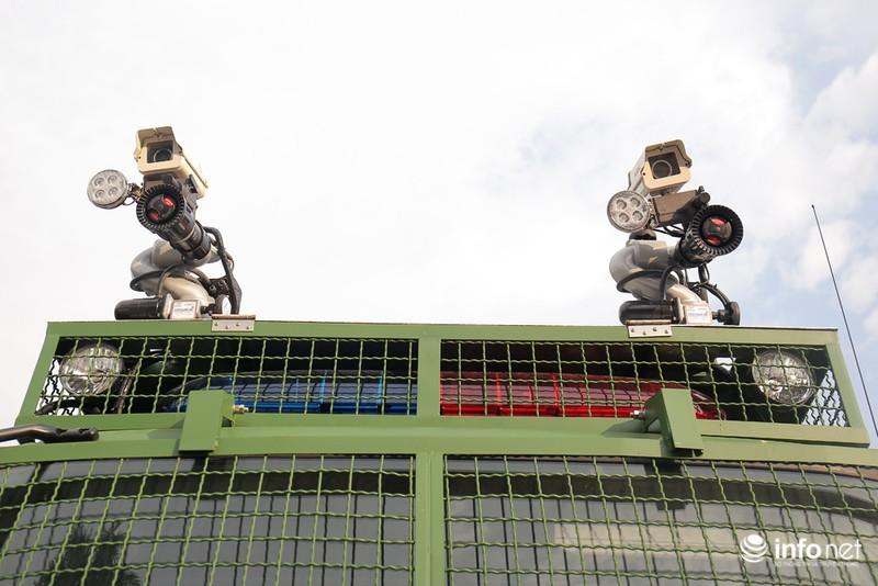 Xem xe phun nước chống bạo loạn sản xuất ở Việt Nam - ảnh 4