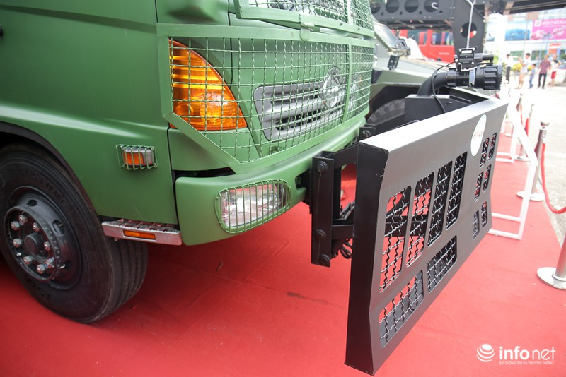 Xem xe phun nước chống bạo loạn sản xuất ở Việt Nam - ảnh 5