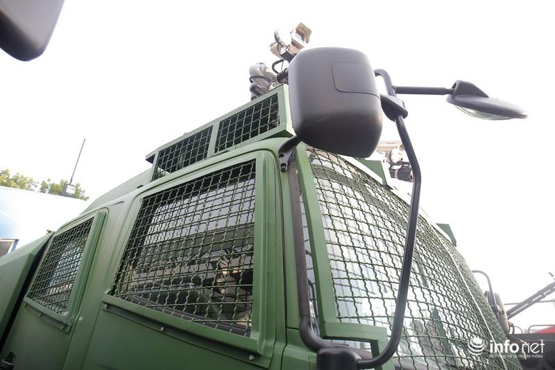 Xem xe phun nước chống bạo loạn sản xuất ở Việt Nam - ảnh 6