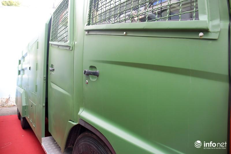 Xem xe phun nước chống bạo loạn sản xuất ở Việt Nam - ảnh 7