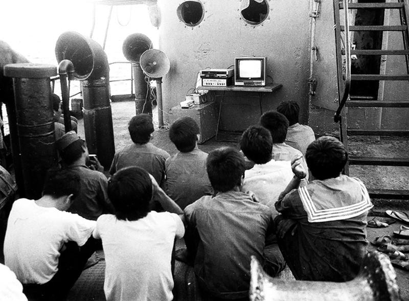 Ảnh vô giá: Bộ đội Việt Nam giữ đảo Trường Sa năm 1988 sau trận Gạc Ma - ảnh 13