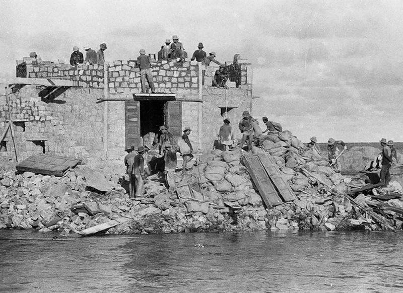 Ảnh vô giá: Bộ đội Việt Nam giữ đảo Trường Sa năm 1988 sau trận Gạc Ma - ảnh 16