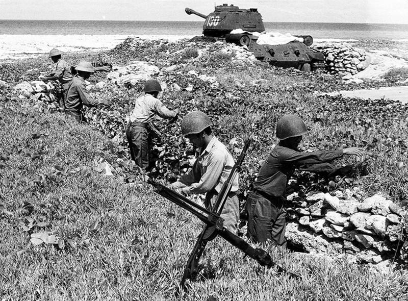 Ảnh vô giá: Bộ đội Việt Nam giữ đảo Trường Sa năm 1988 sau trận Gạc Ma - ảnh 4