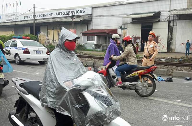 Vợ chồng già gặp tai nạn được CSGT đưa đi cấp cứu bằng xe ô tô đặc chủng - ảnh 3
