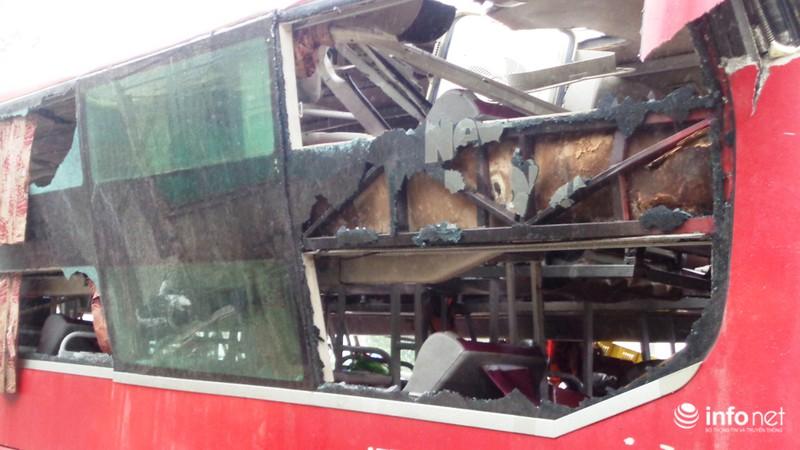 Hà Tĩnh: Xe khách lật ngửa giữa quốc lộ, ít nhất 2 người tử vong - ảnh 5
