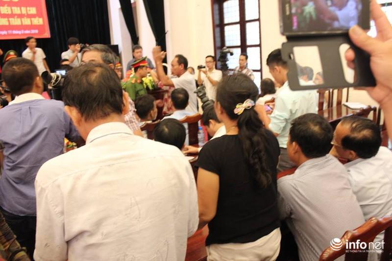 Công khai xin lỗi án oan nhưng Nhà báo không có giấy mời không được chụp ảnh - ảnh 4