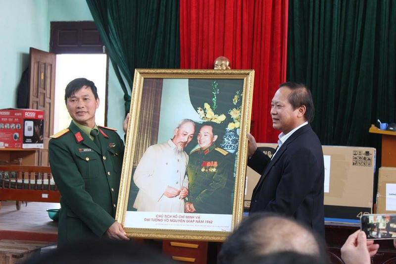 Bộ trưởng Bộ TT&TT Trương Minh Tuấn xúc động thăm lại chiến trường xưa - ảnh 7