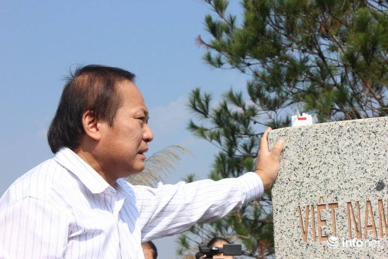 Bộ trưởng Bộ TT&TT Trương Minh Tuấn xúc động thăm lại chiến trường xưa - ảnh 2