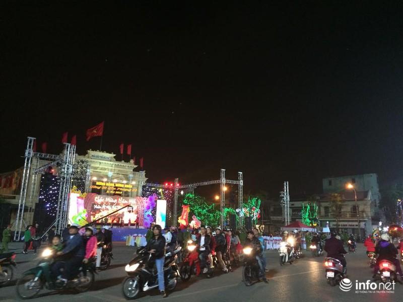 Trực tuyến: Không khí đón năm mới Ất Mùi - 2015 của người Việt ở năm châu - ảnh 57