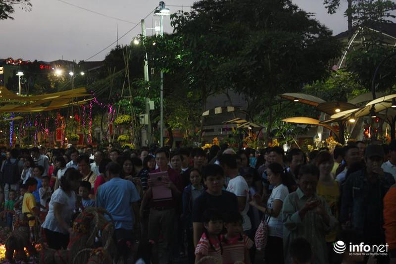 Trực tuyến: Không khí đón năm mới Ất Mùi - 2015 của người Việt ở năm châu - ảnh 60