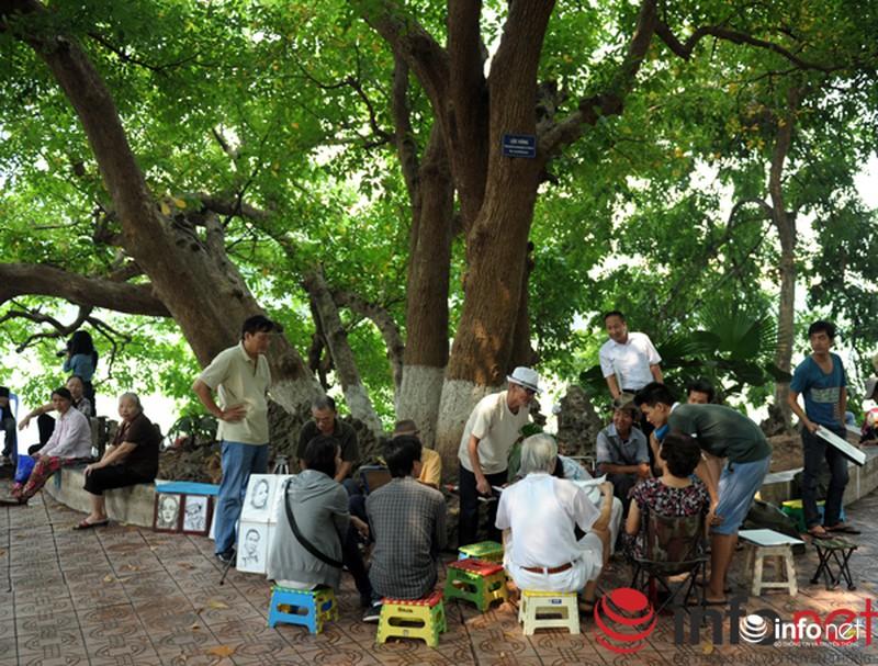 Chùm ảnh: Người dân Thủ đô sống chậm trong không khí đại lễ - ảnh 7