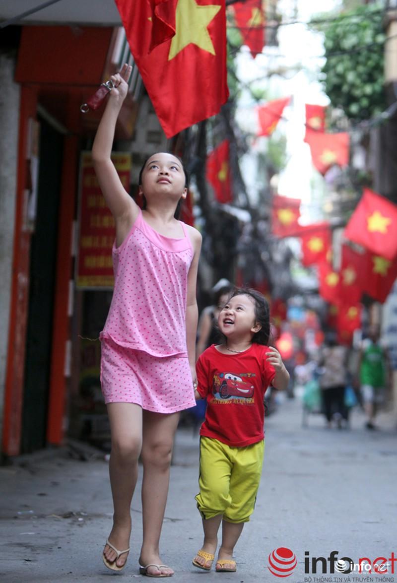 Chùm ảnh: Người dân Thủ đô sống chậm trong không khí đại lễ - ảnh 11