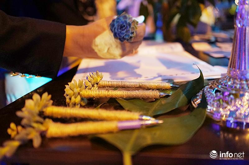 Bữa tiệc ánh sáng trong đám cưới ngoài trời độc đáo tại Hà Nội - ảnh 6