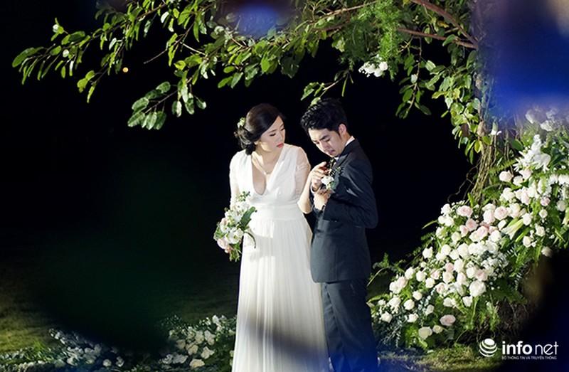 Bữa tiệc ánh sáng trong đám cưới ngoài trời độc đáo tại Hà Nội - ảnh 4