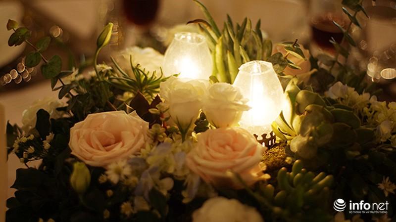 Bữa tiệc ánh sáng trong đám cưới ngoài trời độc đáo tại Hà Nội - ảnh 7