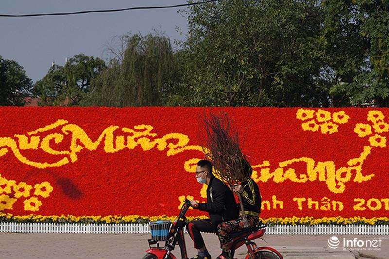 Ngày cuối năm rực nắng ở Hà Nội - ảnh 9
