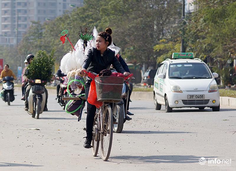 Ngày cuối năm rực nắng ở Hà Nội - ảnh 10