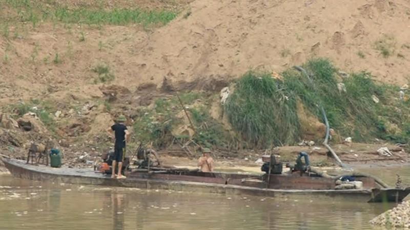 Bắc Giang: Siết chặt hoạt động khai thác cát, sỏi trên sông - ảnh 1
