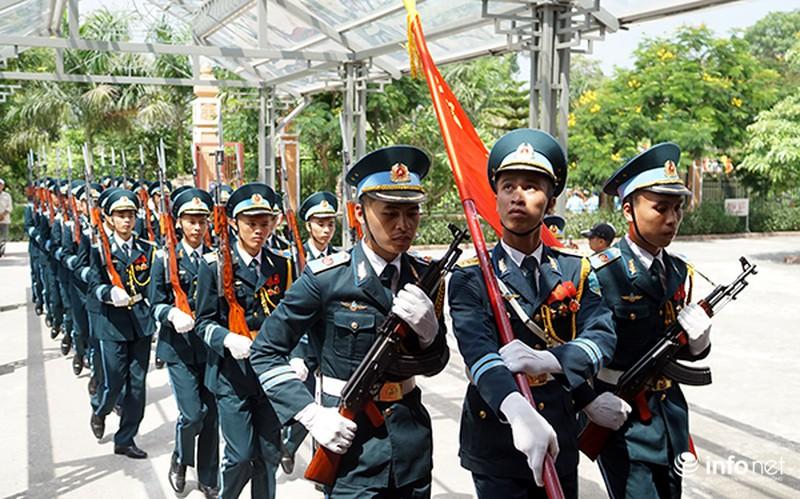 Xúc động giây phút tiễn biệt Đại tá phi công Trần Quang Khải - ảnh 4