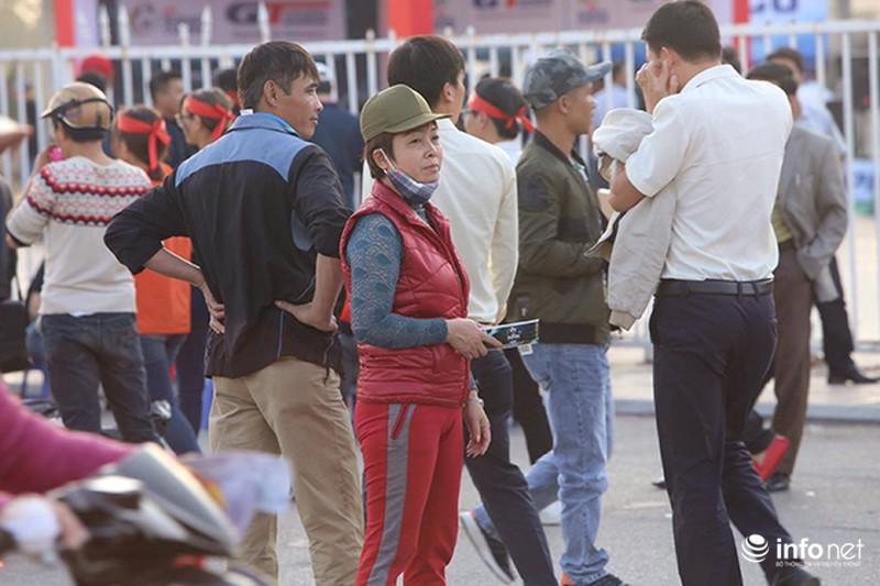 Vé chợ đen trận Việt Nam – Indonesia tăng giá 10 lần - ảnh 1