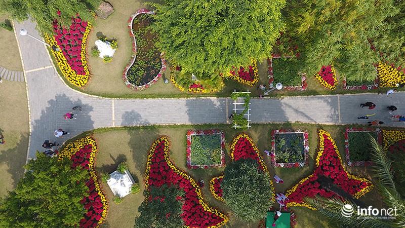 Nhiều không gian giải trí mới lạ tại lễ hội hoa Xuân lớn nhất miền Bắc - ảnh 1