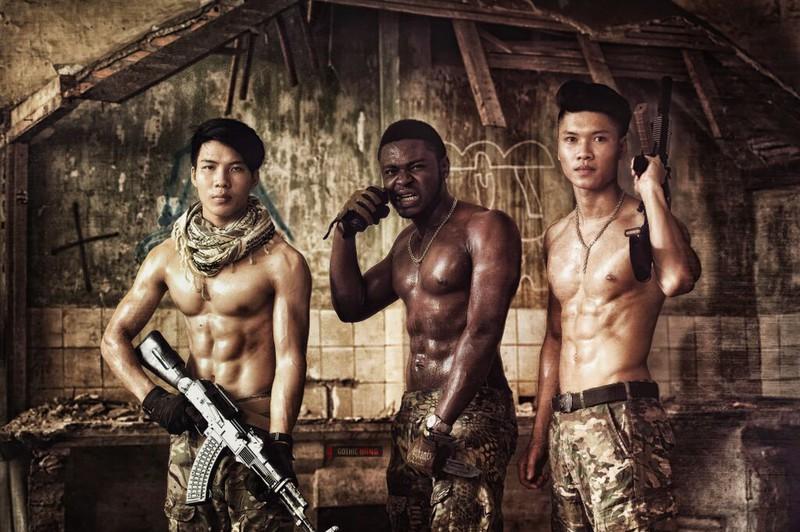 Cận cảnh trang phục, vũ khí trong phim hành động VN theo phong cách Holywood - ảnh 7