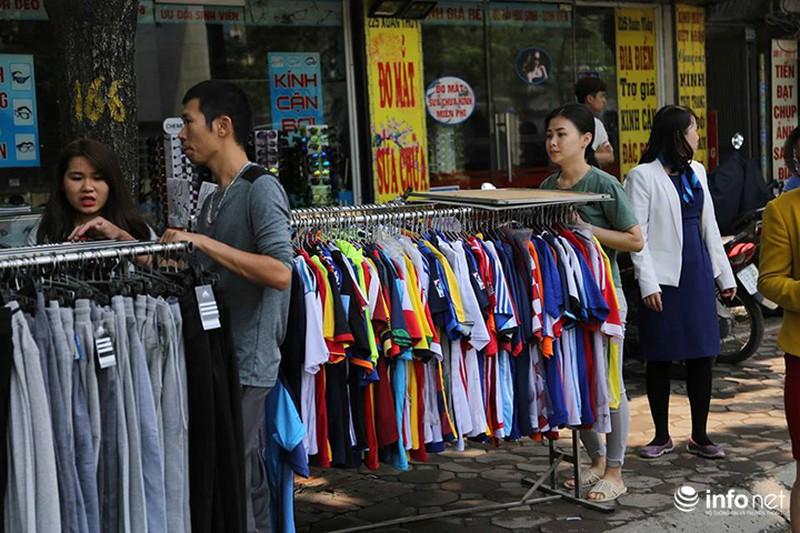 Hà Nội: Cháy cửa hàng chăn ga gối trên đường Xuân Thuỷ - ảnh 5