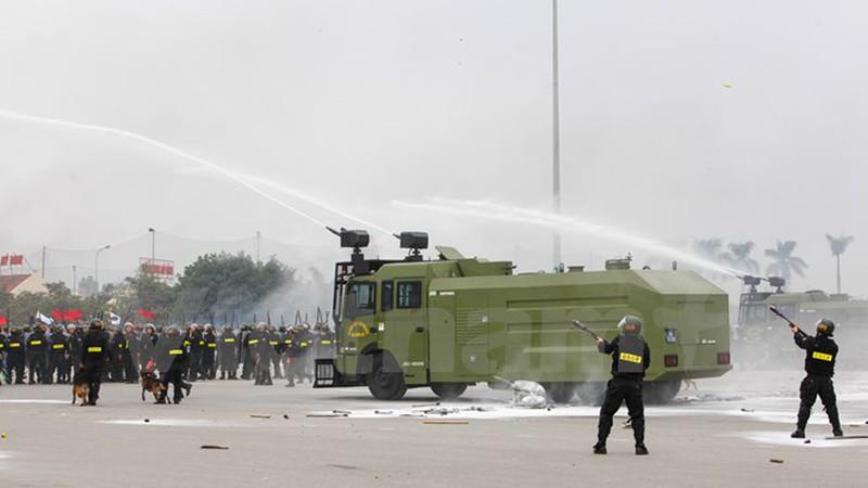 Hình ảnh lễ xuất quân bảo vệ Đại hội Đảng 12 - ảnh 12