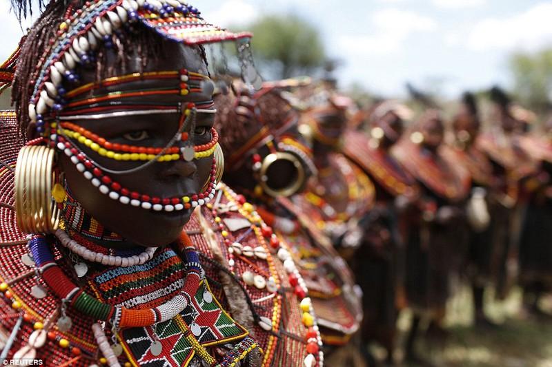Phong tục đám cưới kỳ lạ ở Kenya - ảnh 8