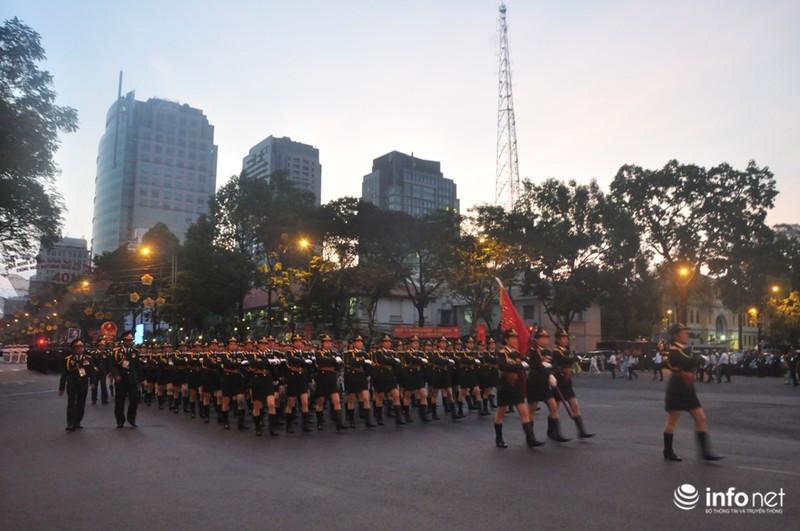 Hình ảnh trước lễ Diễu binh chào mừng 40 năm giải phóng miền Nam - ảnh 13
