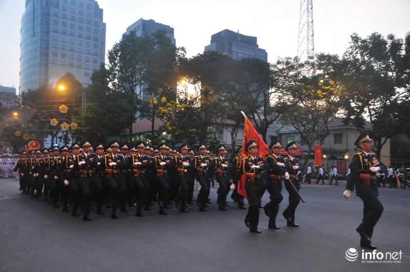 Hình ảnh trước lễ Diễu binh chào mừng 40 năm giải phóng miền Nam - ảnh 16