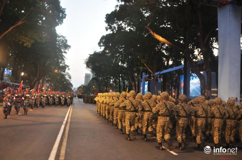 Hình ảnh trước lễ Diễu binh chào mừng 40 năm giải phóng miền Nam - ảnh 22