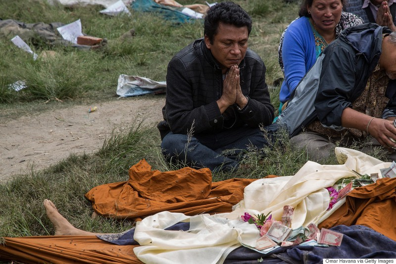 Rớt nước mắt với những hình ảnh Nepal tang thương sau động đất - ảnh 2
