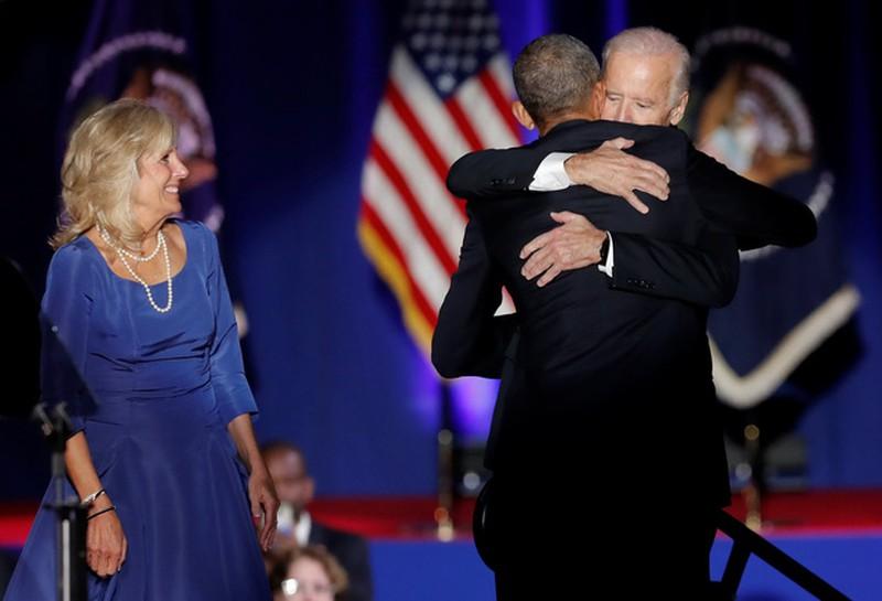 Ảnh: Những khoảnh khắc xúc động khi ông Obama nói lời tạm biệt - ảnh 12