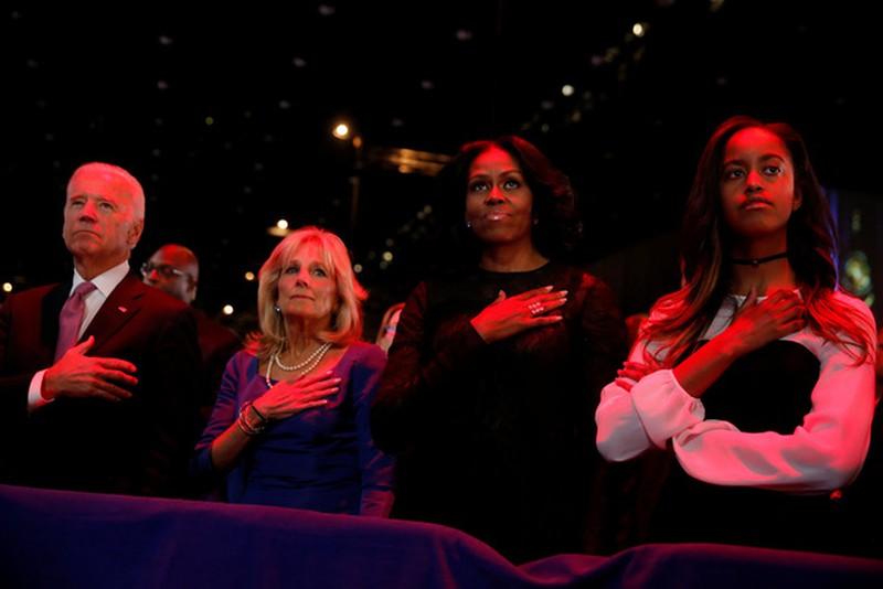 Ảnh: Những khoảnh khắc xúc động khi ông Obama nói lời tạm biệt - ảnh 13