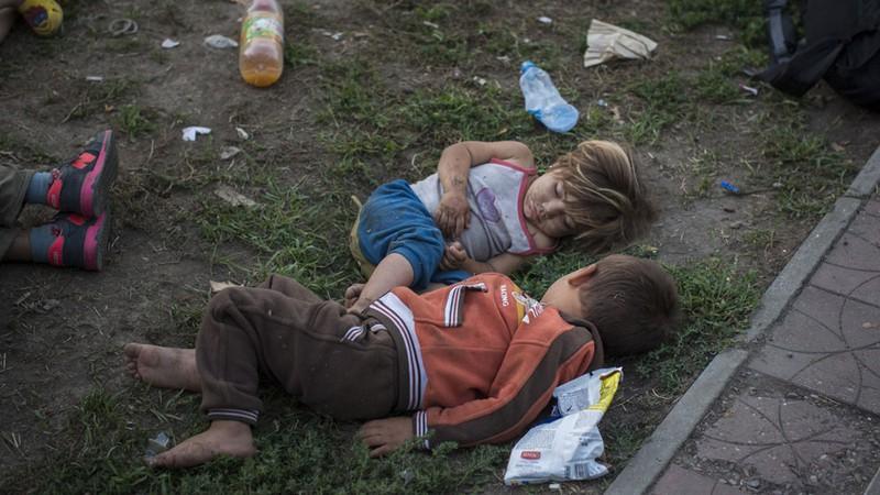 Xót xa với thảm cảnh của người tị nạn ở châu Âu - ảnh 3