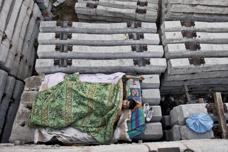 Xót xa với thảm cảnh của người tị nạn ở châu Âu - ảnh 7