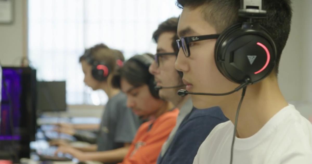Thể thao điện tử lên ngôi, game thủ trở thành nghề hot: Có bằng cấp và thu nhập lên đến hàng nghìn USD - Ảnh 1.