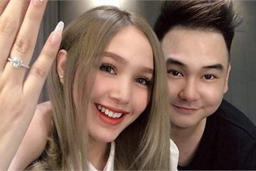 """""""Streamer giàu nhất Việt Nam"""" chốt ngày cưới bạn gái 18 tuổi"""