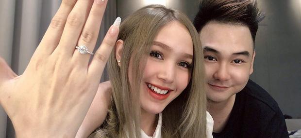 Streamer giàu nhất Việt Nam chốt ngày cưới bạn gái 2k2, dự sẽ là siêu đám cưới cực kỳ hoành tráng - Ảnh 1.