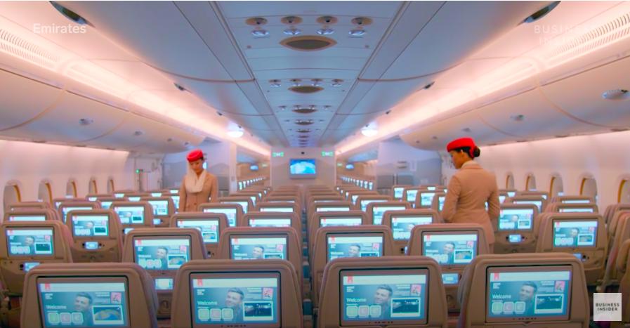 """Nghe tiếp viên hãng hàng không đắt giá nhất hành tinh review công việc mà chỉ biết """"choáng"""": Mức lương khủng lên đến 750 triệu/năm, tiêu chuẩn còn """"khó hơn lên trời"""" - Ảnh 10."""