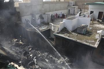 Vụ rơi máy bay chở khách ở Pakistan: Toàn bộ 107 hành khách và phi hành đoàn tử nạn