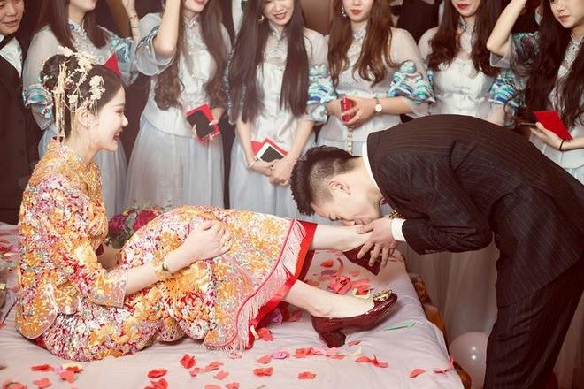 Hạnh phúc lạ lùng của mối hôn sự hai bên cùng cưới - trào lưu kết hôn mà chẳng khác gì ly hôn của giới trẻ Trung Quốc - Ảnh 1.