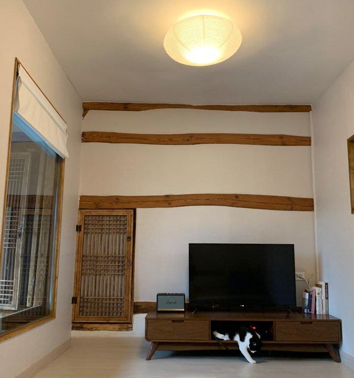 Cải tạo ngôi nhà cũ như nhà ma thành không gian sống như phim, từng chi tiết decor tỉ mẩn nhìn mà mê - Ảnh 12.
