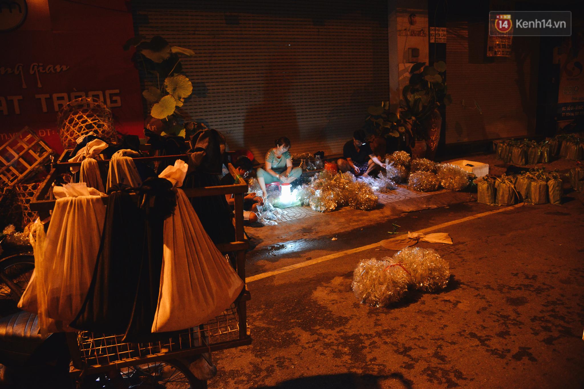 Cận cảnh chợ côn trùng độc nhất Sài Gòn, mỗi ngày chỉ họp đúng 2 tiếng lúc nửa đêm - Ảnh 7.