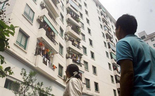 Vì sao thu nhập 20-30 triệu đồng/tháng không mua nổi nhà ở Hà Nội và Sài Gòn? - Ảnh 1.