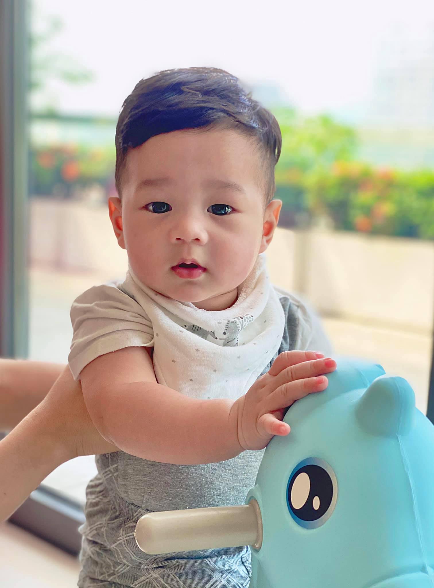 Hiếm lắm mẹ chồng đại gia của Hoa hậu Đặng Thu Thảo mới lộ diện, bà chủ hào môn tài sản nghìn tỷ trông thật gần gũi - Ảnh 6.