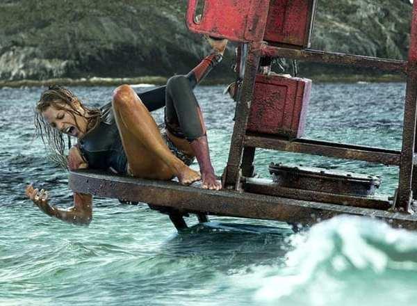 Con gái quá nghiện Baby Shark, Deadpool Ryan Reynolds cho con xem luôn phim mẹ bị... cá mập ăn thịt người tấn công - Ảnh 5.