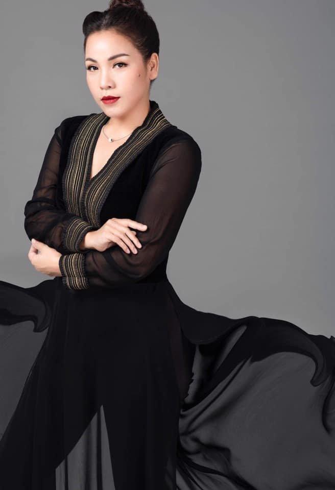 NSND Hồng Vân, Minh Nhí cùng dàn nghệ sĩ há hốc vì giọng hát của em gái ruột Diva Mỹ Linh - Ảnh 8.