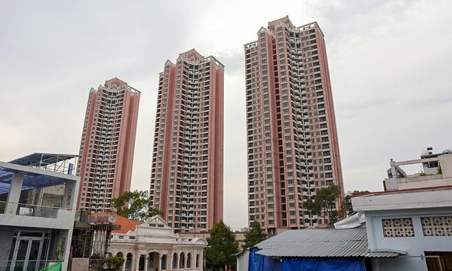 Thuận Kiều Plaza hay còn gọi là cao ốc 3 cây nhang là địa danh thế nào mà người Sài Gòn ai cũng đang nhắc? - Ảnh 4.
